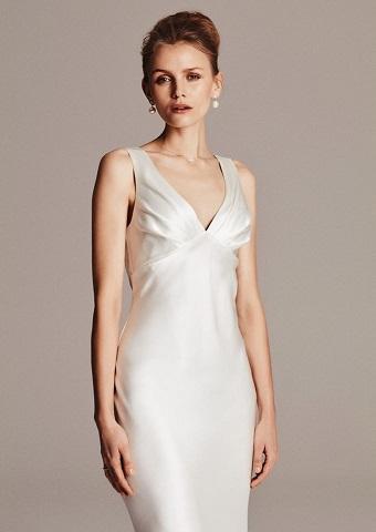 9a00ff0c Vi benytter metal-stivere i vores korsetter, så de bevarer formen under  hele kjolens levetid – fremfor plaststivere som vil give sig og miste  formen under ...